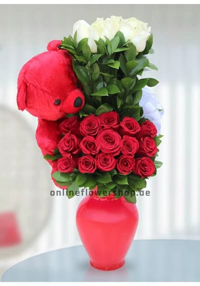 Surprise with Teddy Flowers